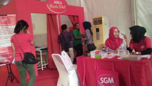 Area Bunda Sehat Pemeriksaan USG dan Konsultasi ibu hamil oleh tenaga kesehatan Festival SGM Bunda Generasi Maju